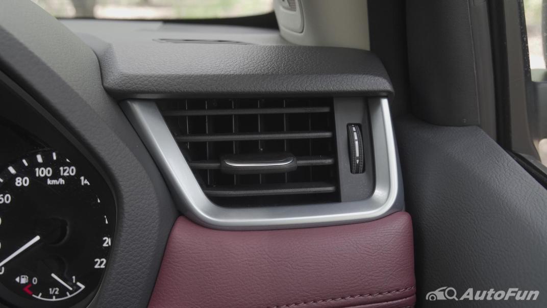 2021 Nissan Terra 2.3 VL 4WD Interior 016