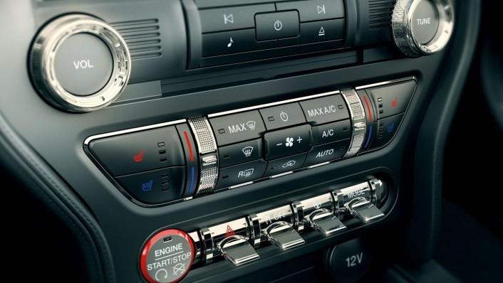 Ford Mustang 2020 Interior 003