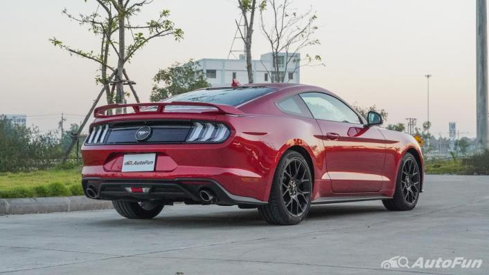 2020 Ford Mustang 2.3L EcoBoost Exterior 005
