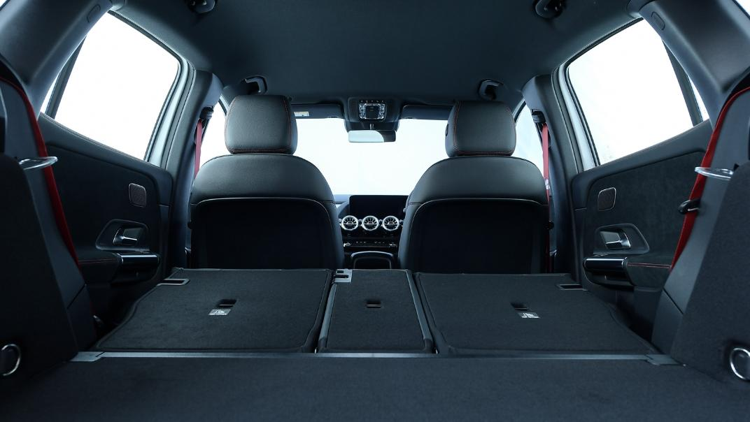 2021 Mercedes-Benz GLA-Class 35 AMG 4MATIC Interior 095