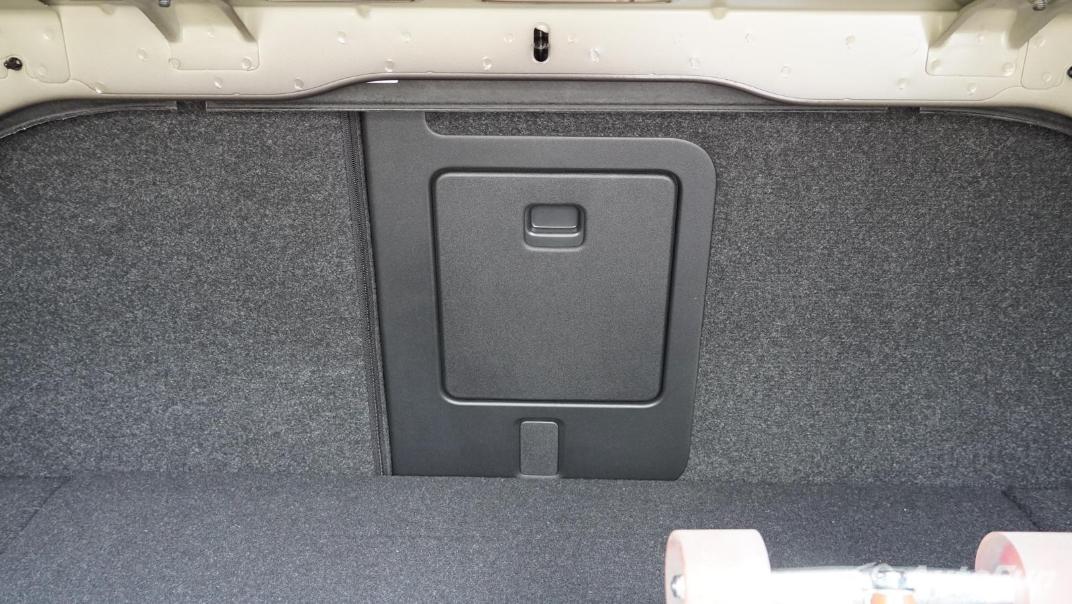 2021 Volvo S90 Recharge Interior 053