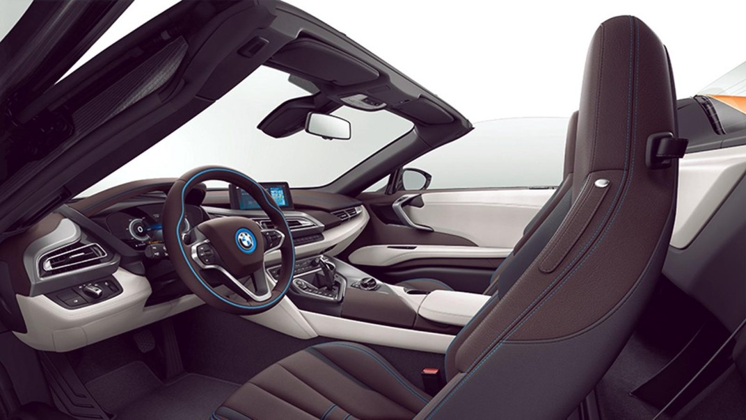 BMW I8-Roadster Public 2020 Interior 009