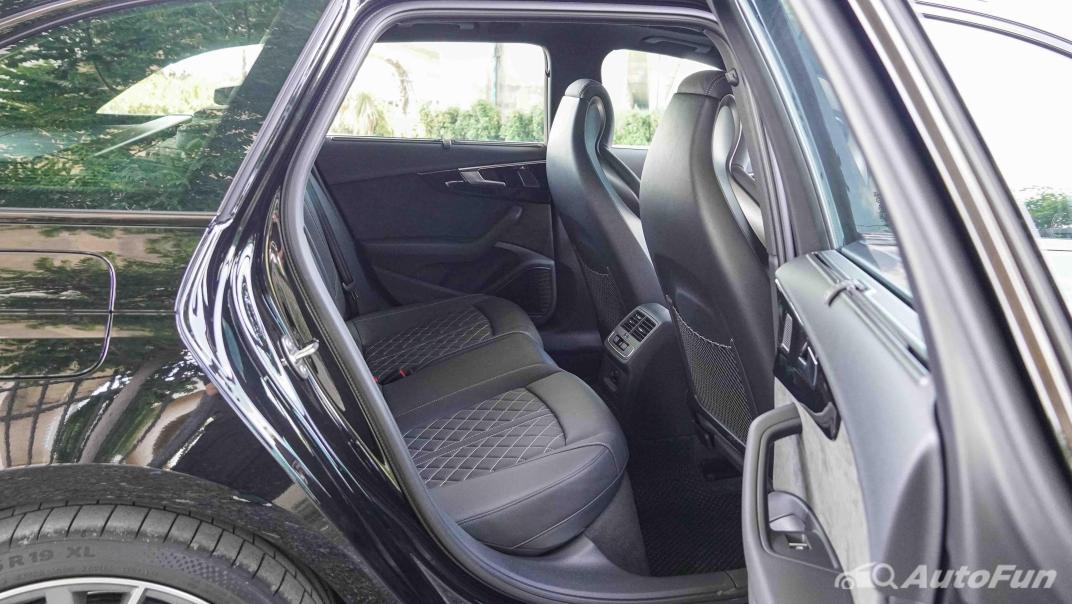 2020 Audi A4 Avant 2.0 45 TFSI Quattro S Line Black Edition Interior 049