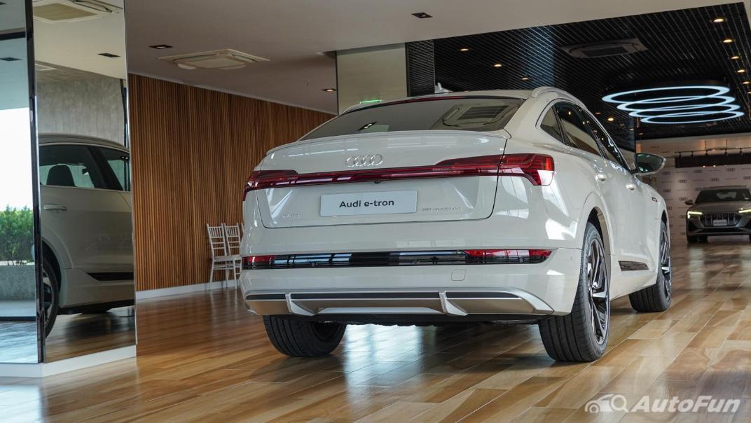 2020 Audi E Tron Sportback 55 quattro S line Exterior 015