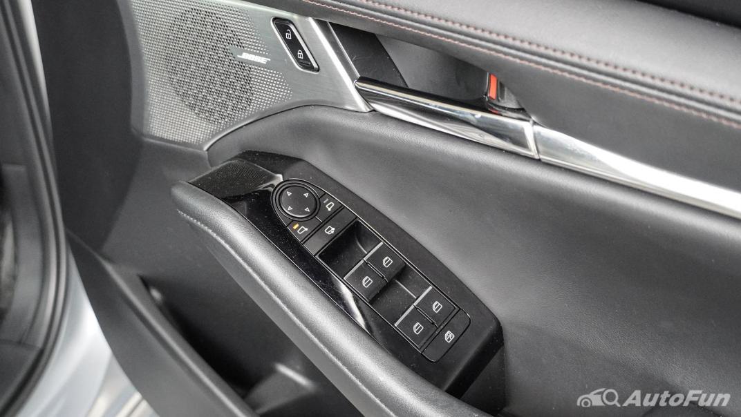 2020 Mazda 3 Fastback 2.0 SP Sports Interior 052