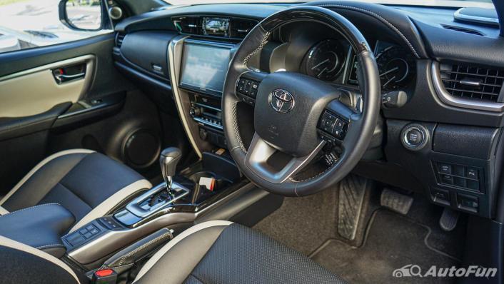 2020 Toyota Fortuner 2.8 Legender 4WD Interior 002