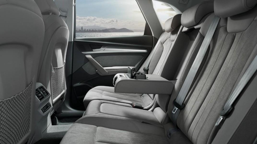 Audi Q5 2020 Interior 009