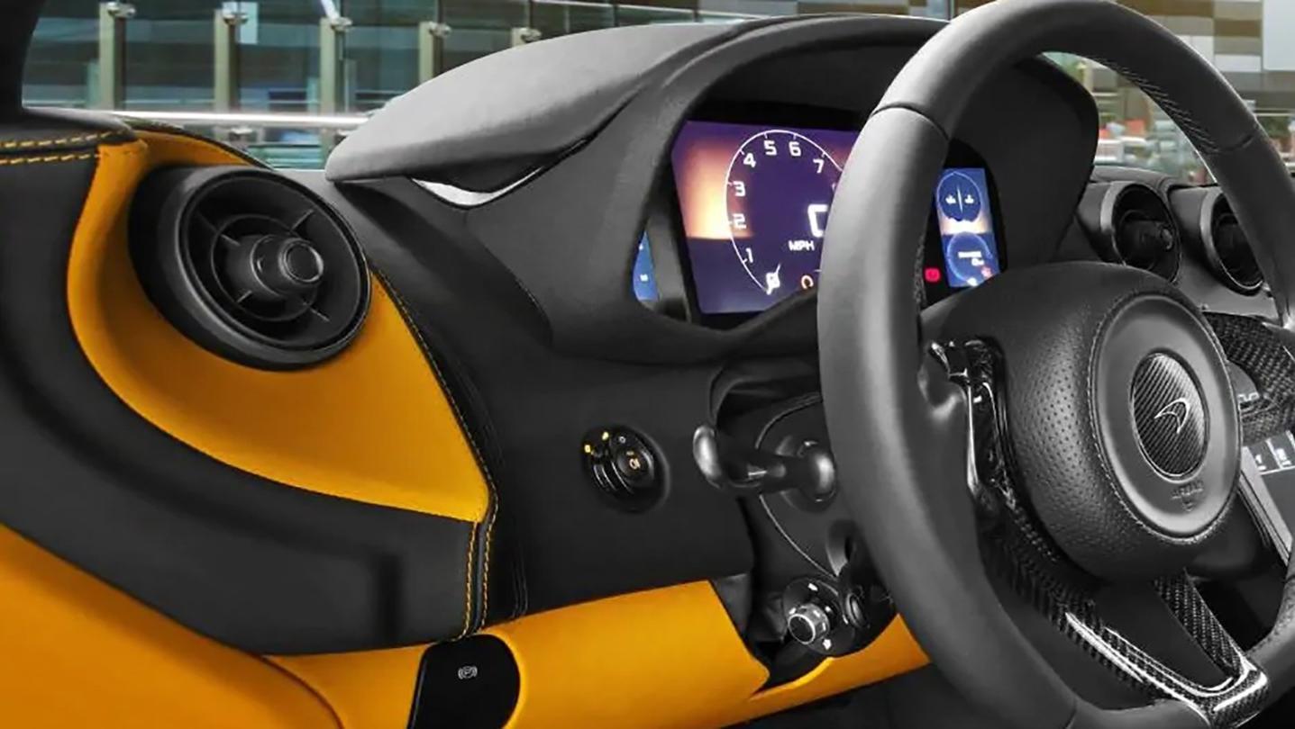 McLaren 540C 2020 Interior 006