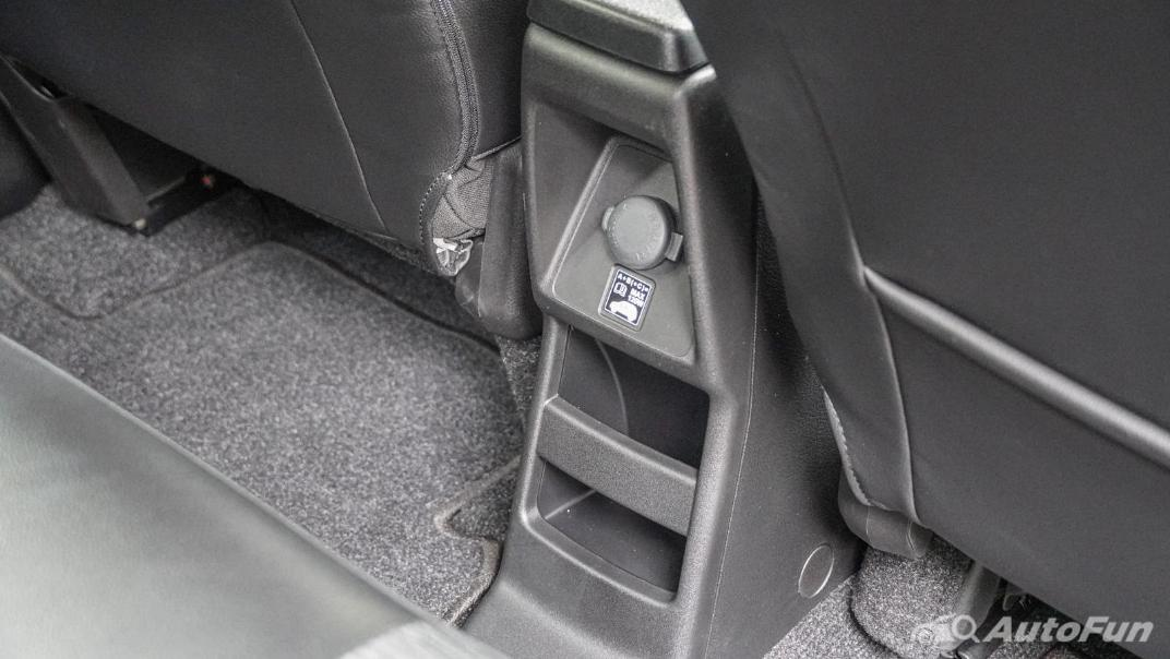 2020 1.5 Suzuki XL7 GLX Interior 032