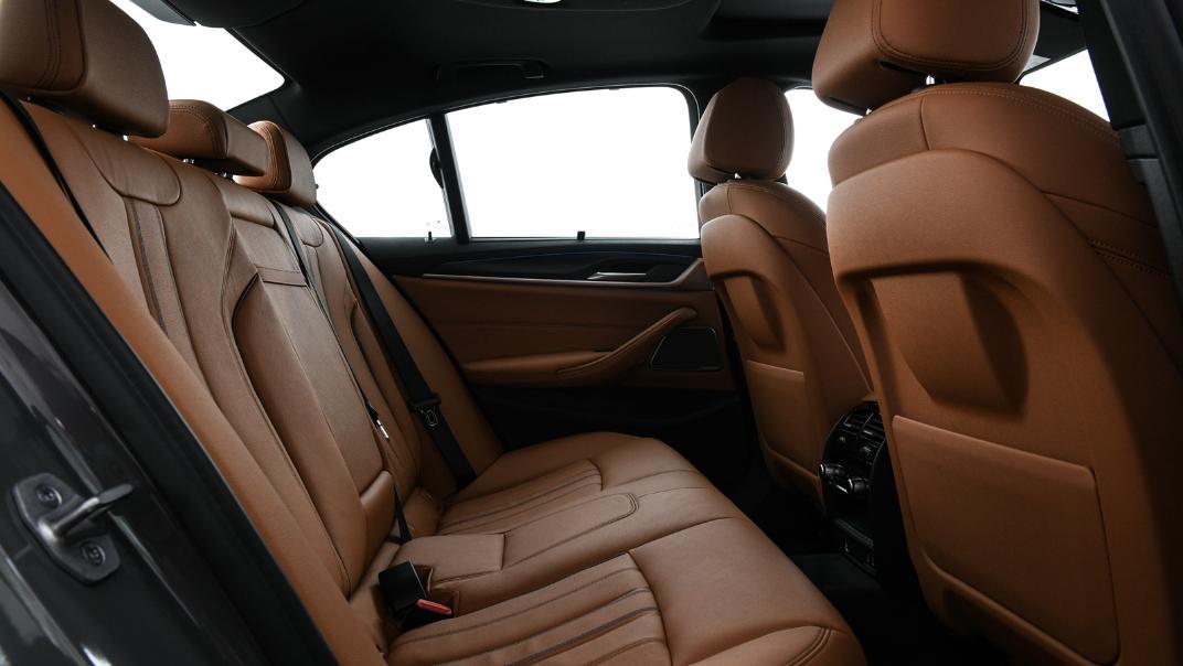 2021 BMW 5 Series Sedan 530e M Sport Interior 039