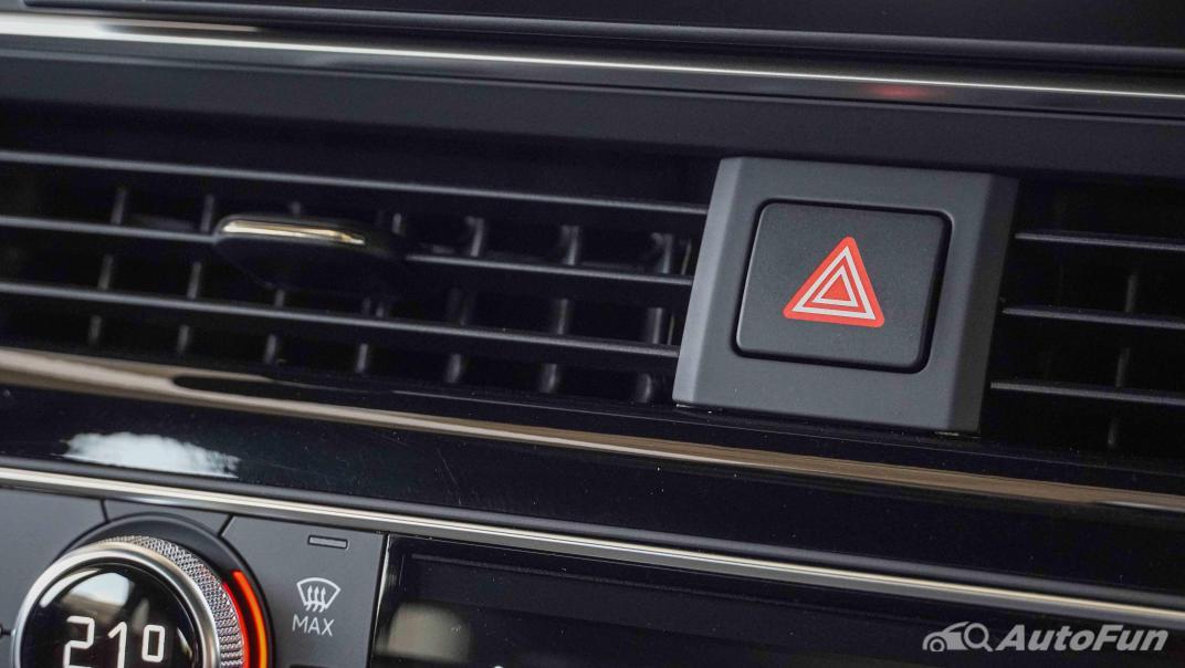 2020 Audi A4 Avant 2.0 45 TFSI Quattro S Line Black Edition Interior 024