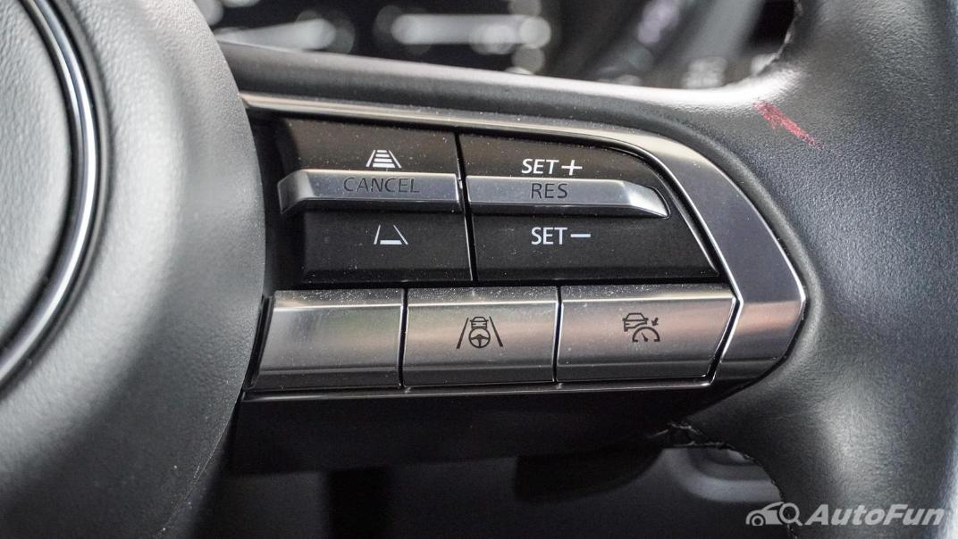 2020 Mazda 3 Fastback 2.0 SP Sports Interior 011