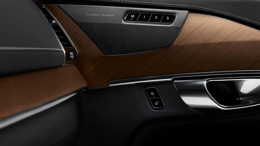 Volvo XC 90 2020 Interior 012