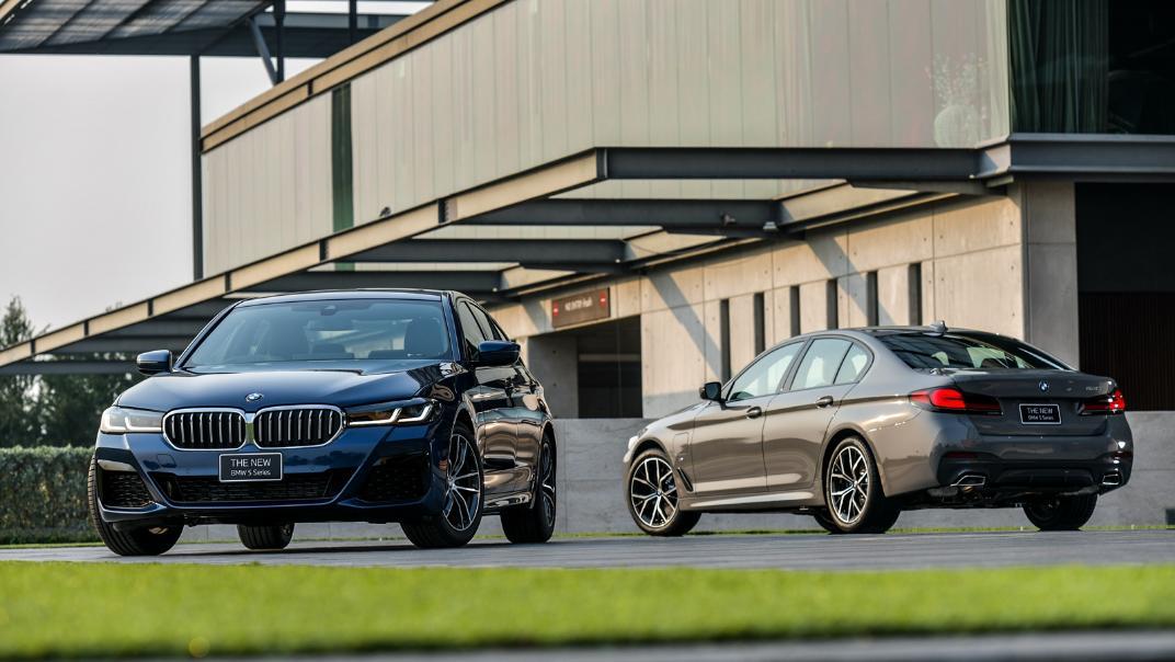 2021 BMW 5 Series Sedan 530e M Sport Exterior 042