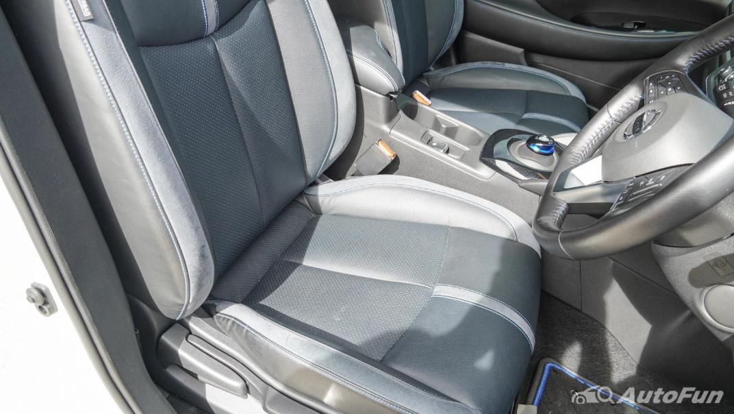 2020 Nissan Leaf Electric Interior 051