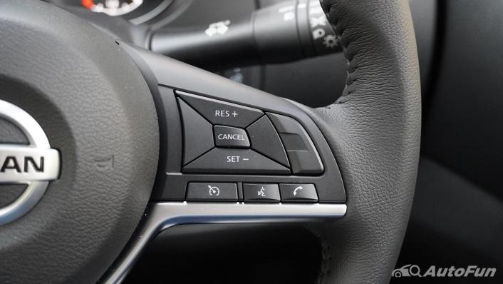 2021 Nissan Navara Double Cab 2.3 4WD VL 7AT Interior 005
