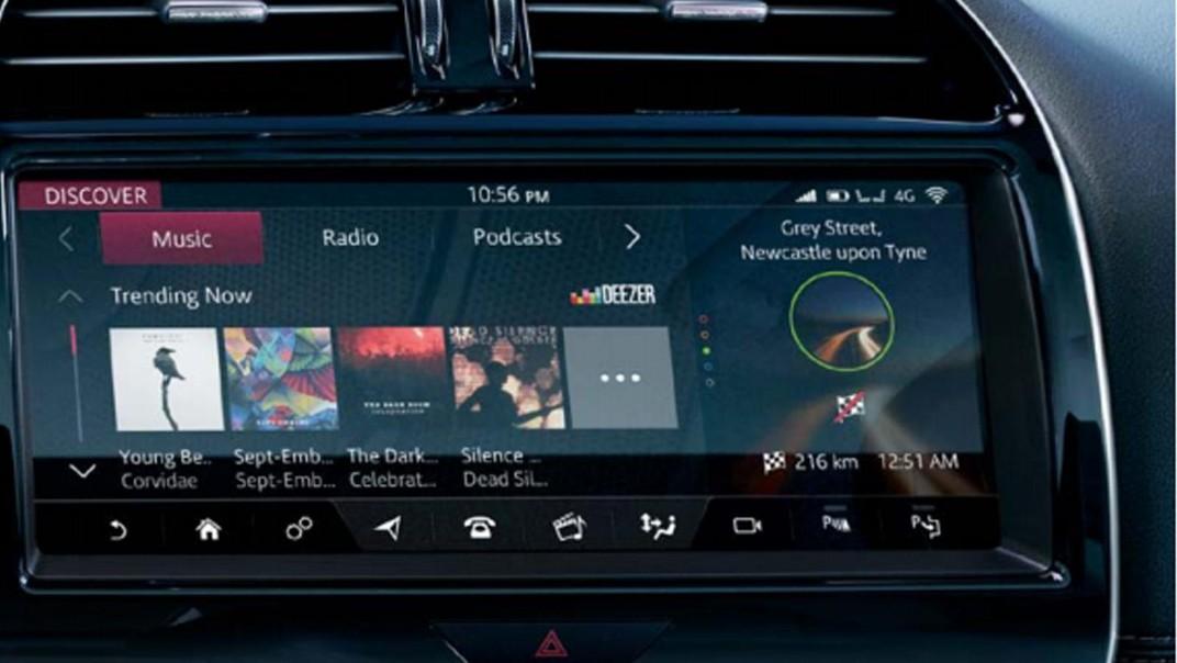 Jaguar XE Public 2020 Interior 005
