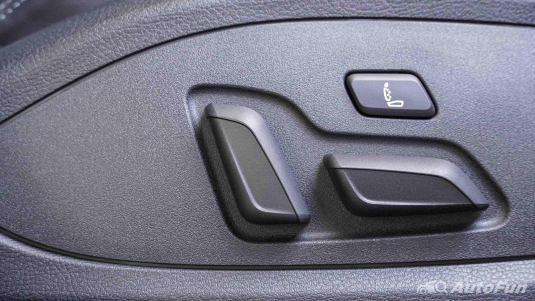 2020 Audi A4 Avant 2.0 45 TFSI Quattro S Line Black Edition Interior 047