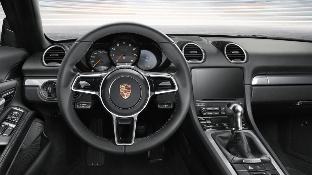 Porsche 718 2020 Interior 002