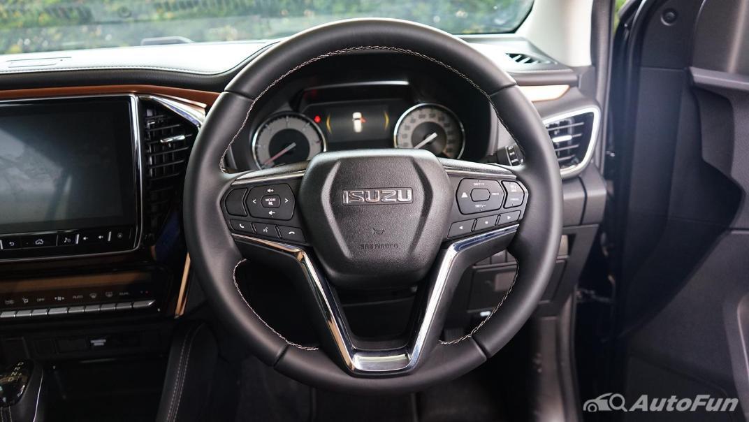 2021 Isuzu MU-X Ultimate 3.0 AT 4x4 Interior 003