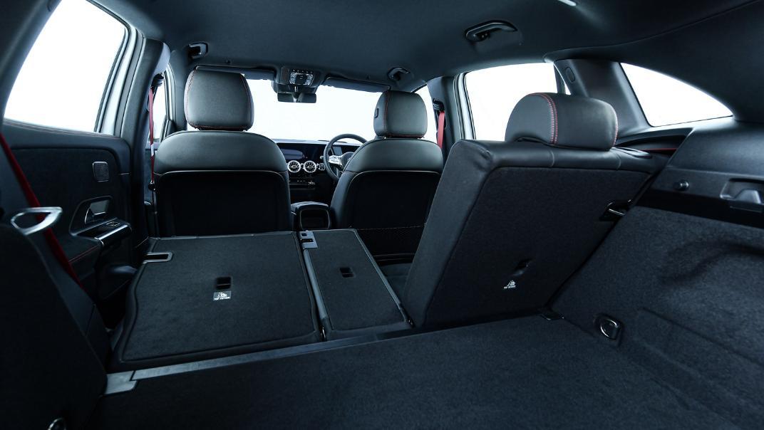 2021 Mercedes-Benz GLA-Class 35 AMG 4MATIC Interior 098