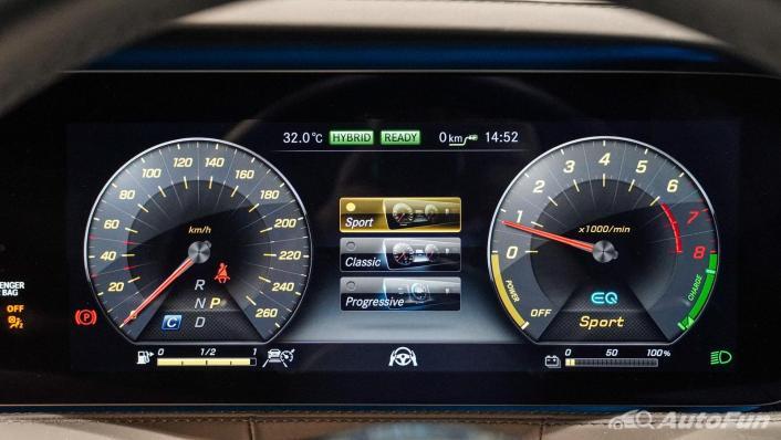 Mercedes-Benz S-Class S 560 e AMG Premium Interior 005