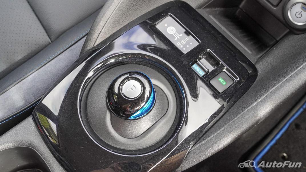 2020 Nissan Leaf Electric Interior 037