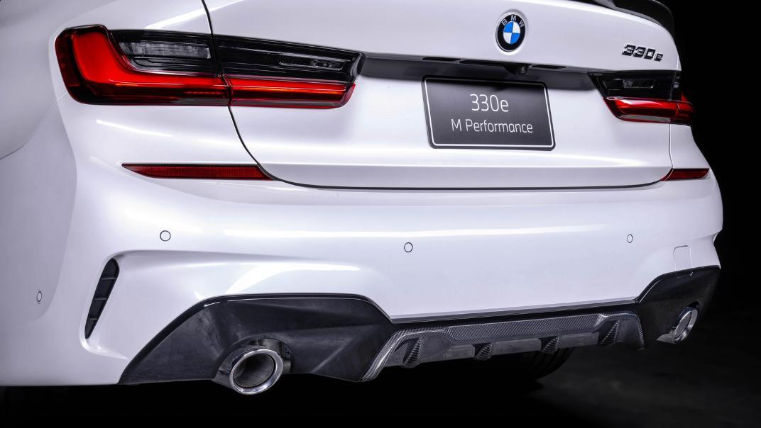 2021 BMW 3 Series Sedan 330e M Sport Exterior 005