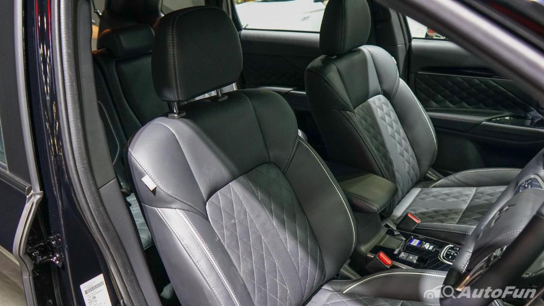 2021 Mitsubishi Outlander PHEV GT Interior 011