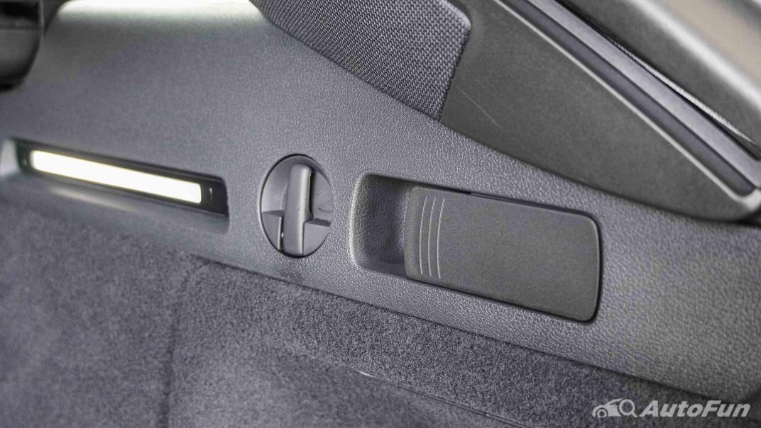 2020 Audi A4 Avant 2.0 45 TFSI Quattro S Line Black Edition Interior 072