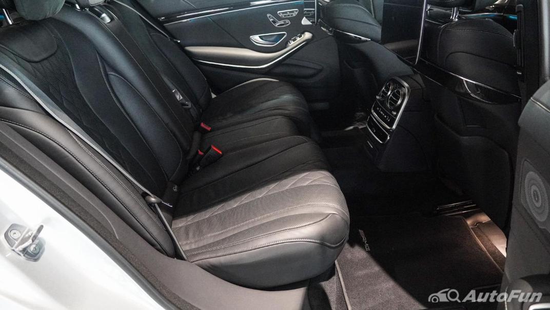 Mercedes-Benz S-Class S 560 e AMG Premium Interior 057