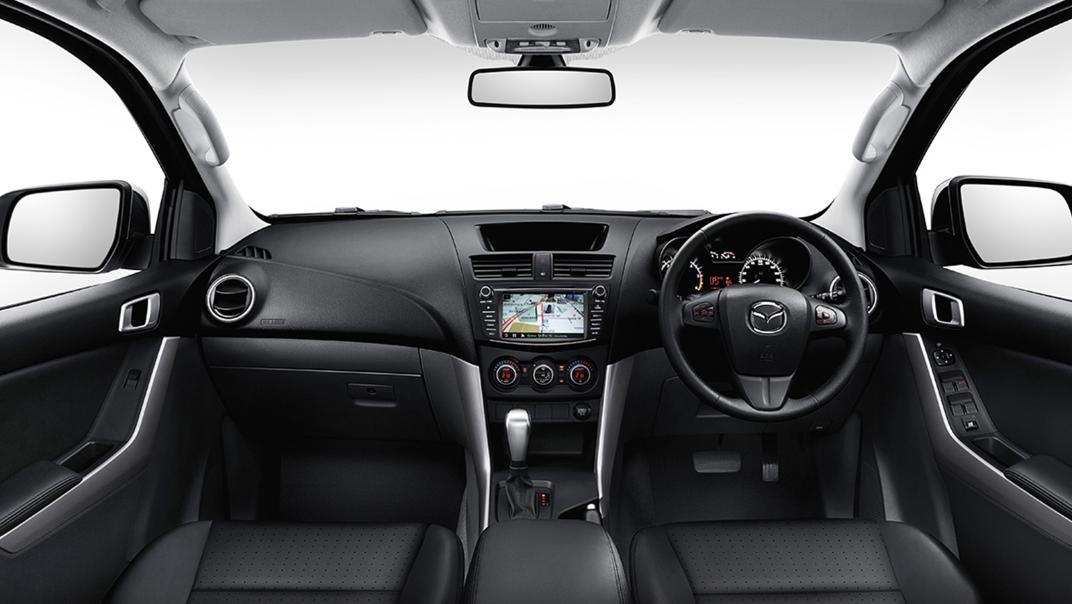 Mazda BT-50 Pro 2020 Interior 001