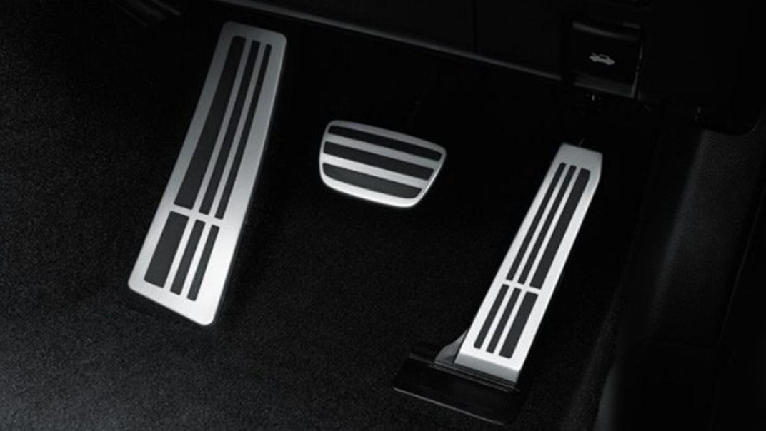 Lexus RC 2020 Interior 008