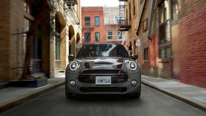 Mini 5-Door-Hatch Public 2020 Exterior 001