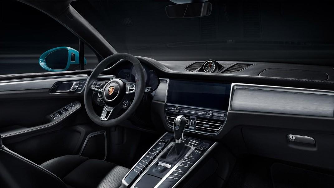 Porsche Macan Public 2020 Interior 001