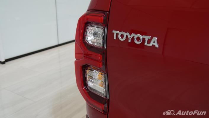 2021 Toyota Hilux Revo Double Cab 4x2 2.8 GR Sport AT Exterior 009
