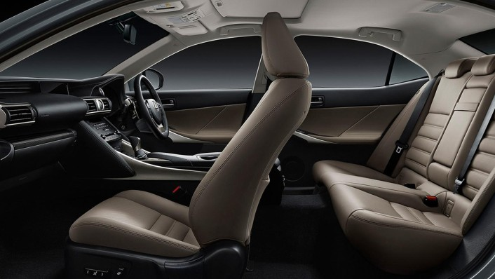 Lexus IS 2020 Interior 003