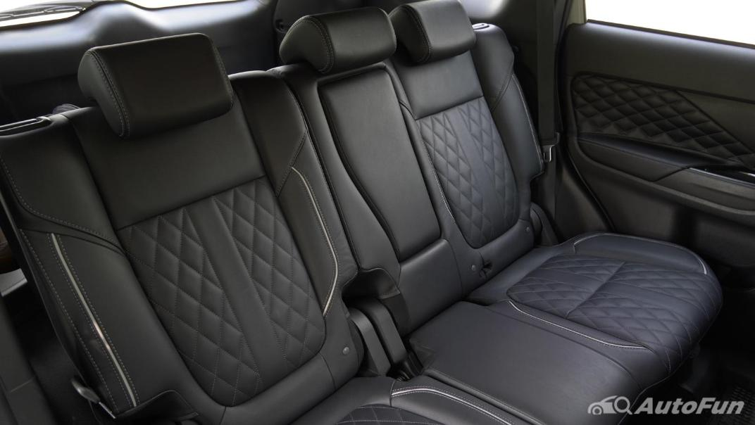2021 Mitsubishi Outlander PHEV GT-Premium Interior 040