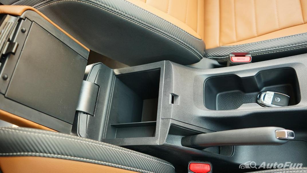 2021 MG Extender Interior 013