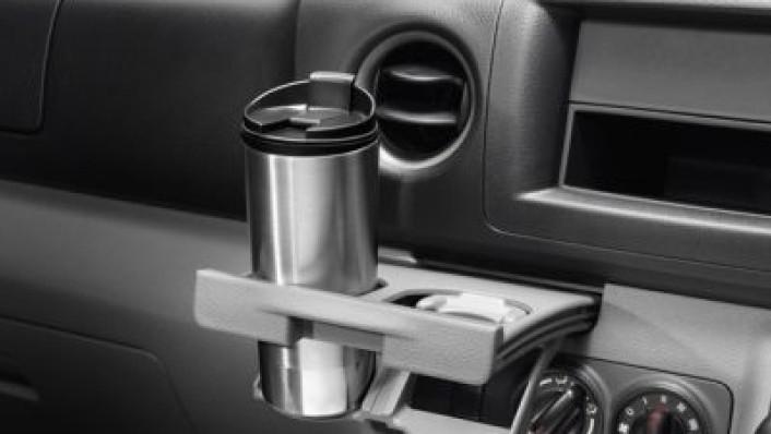 Nissan Urvan 2020 Interior 004
