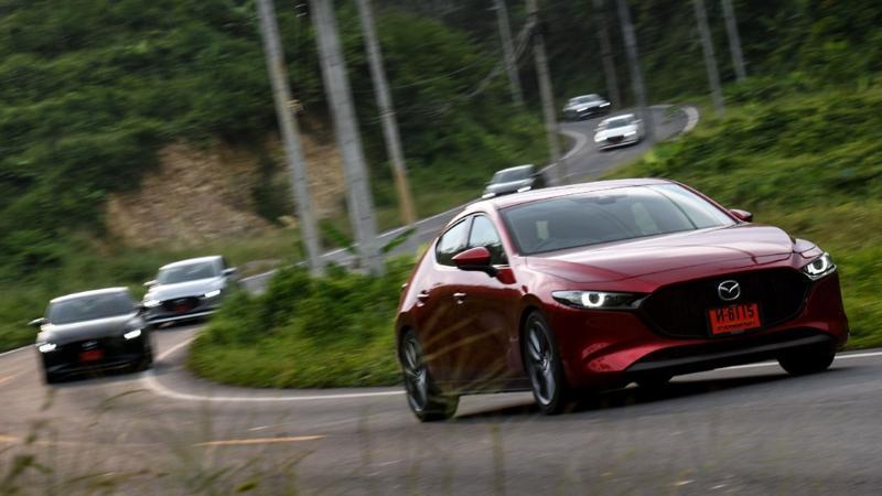 Mazda 3 (มาสด้า 3)