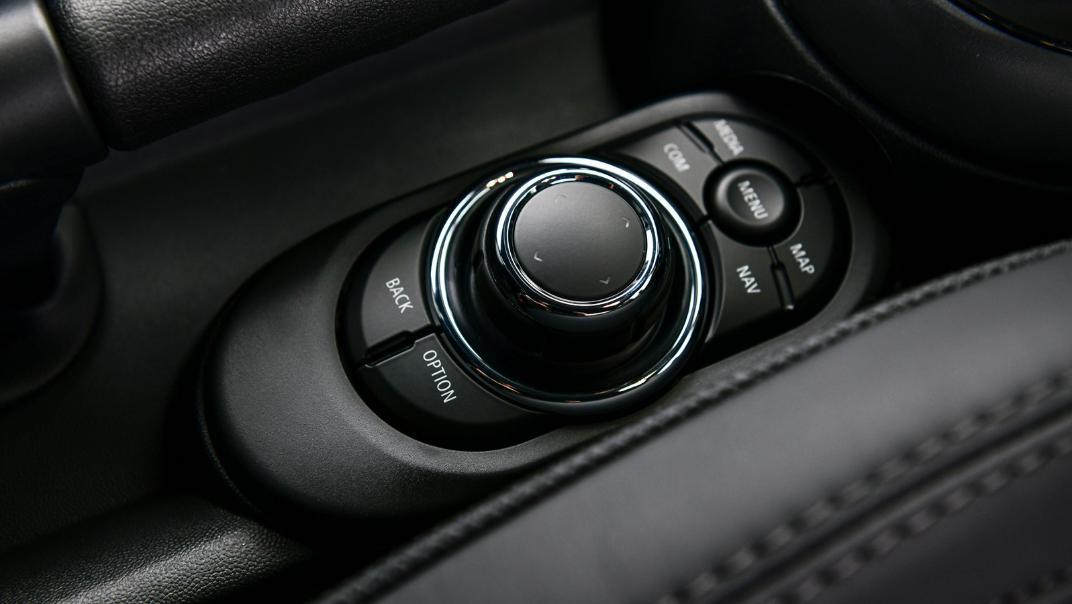 2021 MNI 3-Door Hatch Cooper S Interior 069