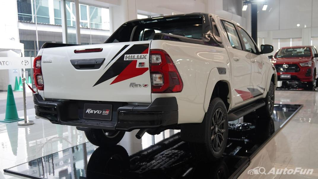 2021 Toyota Hilux Revo Double Cab 4x4 2.8 GR Sport AT Exterior 004