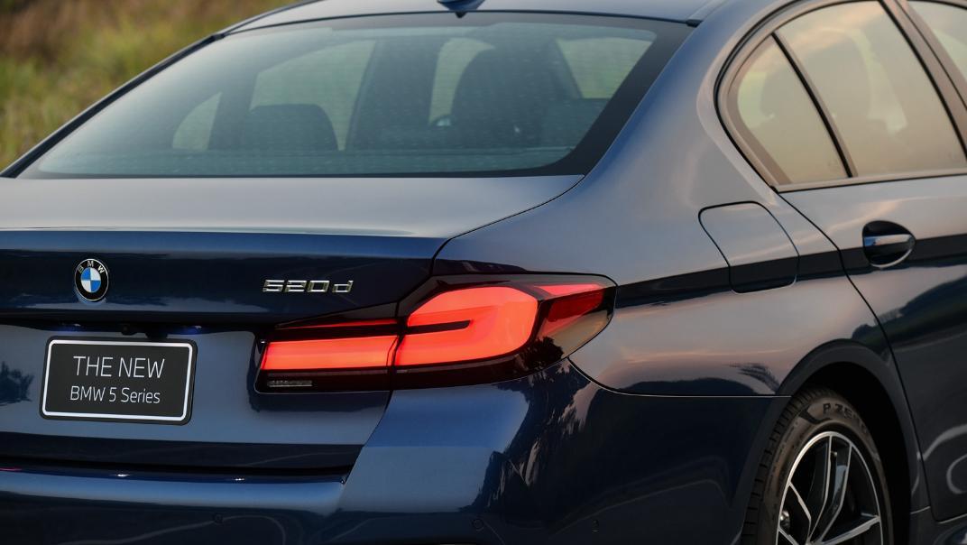 2021 BMW 5 Series Sedan 520d M Sport Exterior 034