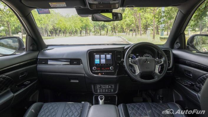 2021 Mitsubishi Outlander PHEV GT-Premium Interior 001
