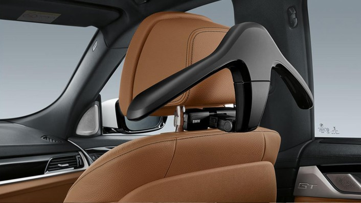 BMW 6-Series-Gran-Turismo 2020 Interior 005