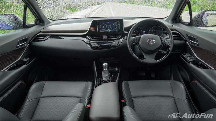 2021 Toyota C-HR Hybrid Premium Safety Interior 003
