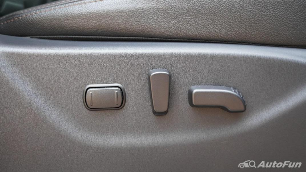 2021 Nissan Navara Double Cab 2.3 4WD VL 7AT Interior 035