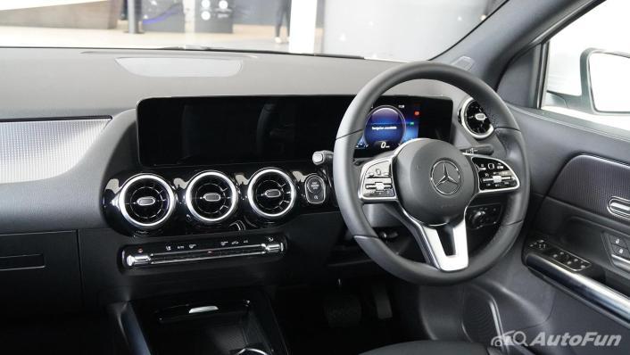 2021 Mercedes-Benz GLA-Class 200 Progressive Interior 001