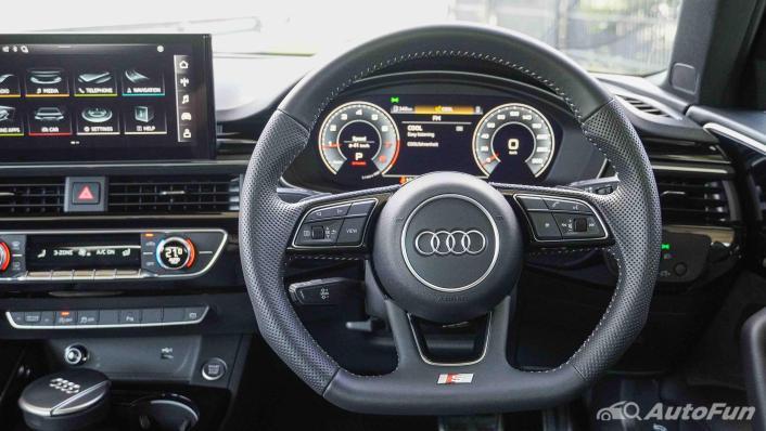 2020 Audi A4 Avant 2.0 45 TFSI Quattro S Line Black Edition Interior 004